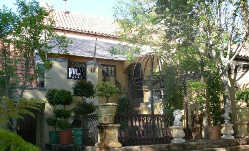 Bohemian House Guest house